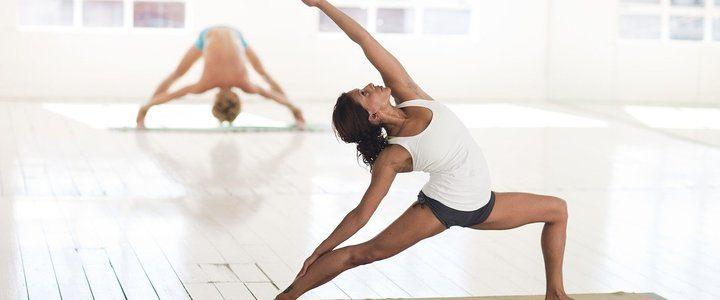 Добра постелка за йога